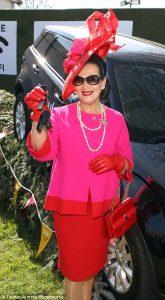 Winner of Best dress lady, aintree